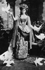 Alva_Vanderbilt_1883_Costume_Ball