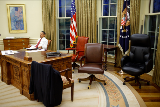 Obama chooses a chair