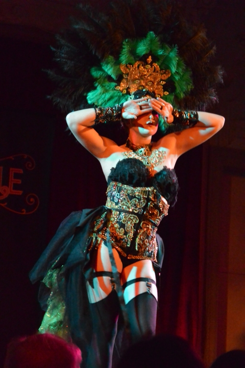 Ivizia Dakini performing at Twisted Cabaret