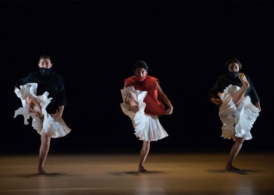 Gravity-Fatigue-ballet_Hussein-Chalayan_dezeen_1568_1