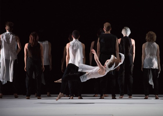 Gravity-Fatigue-ballet_Hussein-Chalayan_dezeen_1568_12