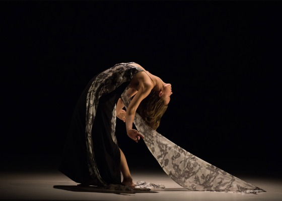 Gravity-Fatigue-ballet_Hussein-Chalayan_dezeen_1568_5