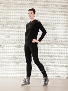 spacewear_blk_full1_nh_crop1_1000